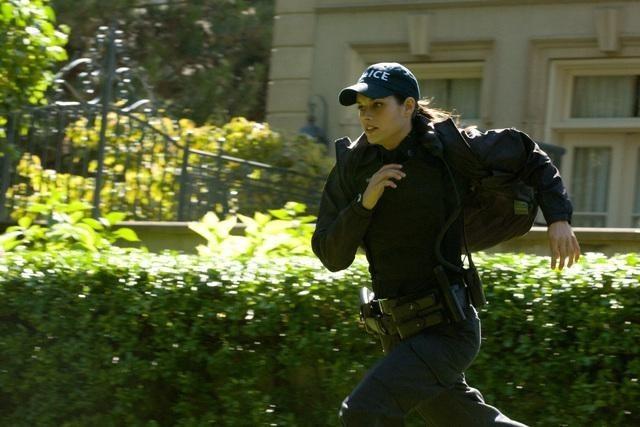 Missy Peregrym in una scena dell'episodio Broad Daylight di Rookie Blue