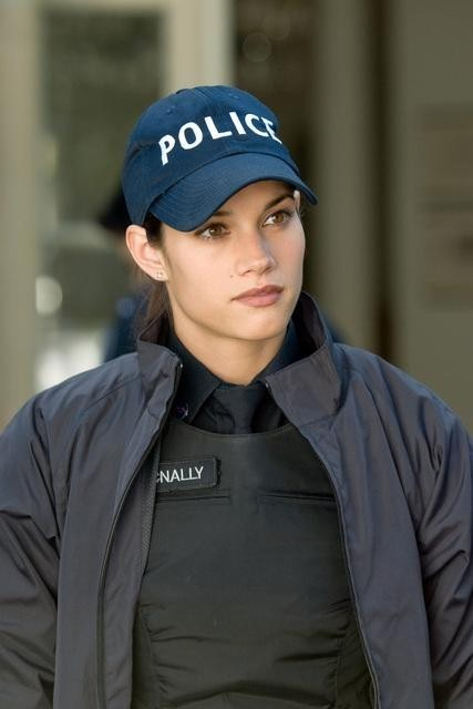 Missy Peregrym nell'episodio Broad Daylight di Rookie Blue