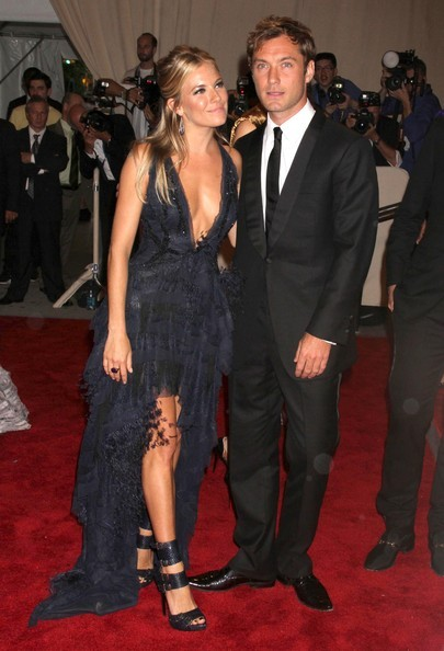 Sienna Miller e Jude Law a New York nel 2010