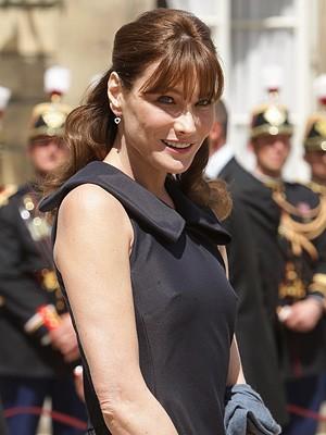 Un'incantevole Carla Bruni ad un evento mondano