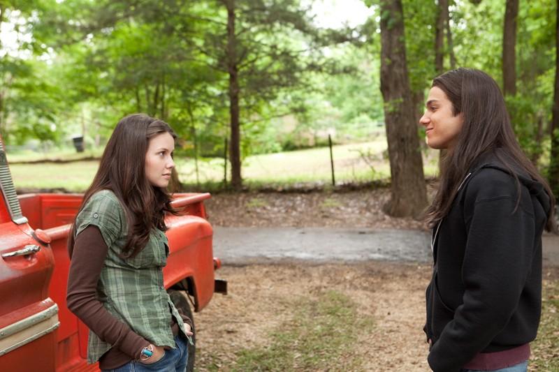 Becca Crane (Jenn Proske) e il suo amico d'infanzia Jacob White (Chris Riggi) in Vampires Suck