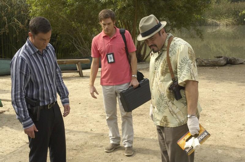 Michael C. Hall, David Zayas e Desmond Harrington in una scena dell'episodio Slack Tide di Dexter