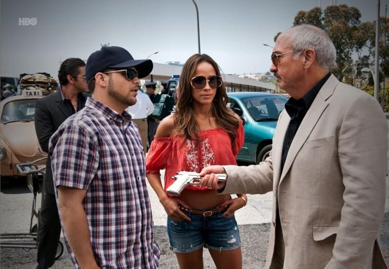 Jerry Ferrara, Dania Ramirez  e Miguel Sandoval nell'episodio Tequila Sunrise di Entourage