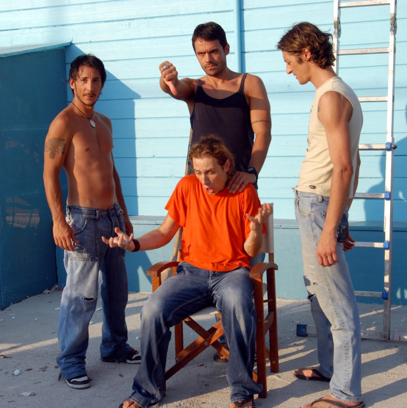 Pierfrancesco Pesaola, Gianluca D'Ercole, Alessandro Gimelli, Tommaso Benvenuti sul set de La Polinesia è sotto casa