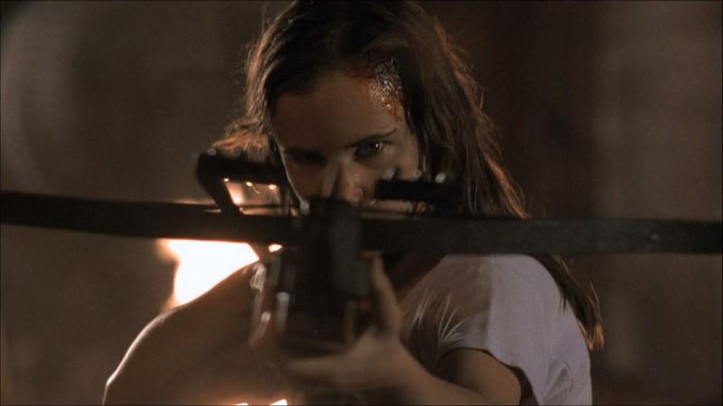 Juliette Lewis in una scena del film Dal tramonto all\'alba