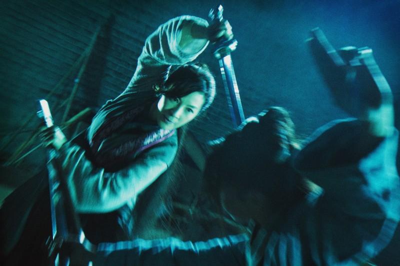 Michelle Yeoh in una sequenza di Reign of Assassins
