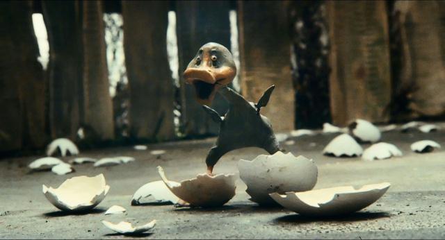 Una scena del film The Ugly Duckling del 2010