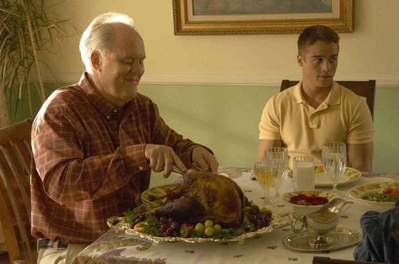Arthur Mitchell (John Lithgow) e il figlio Jonah (Brando Eaton) nell'episodio Giorno di festa di Dexter