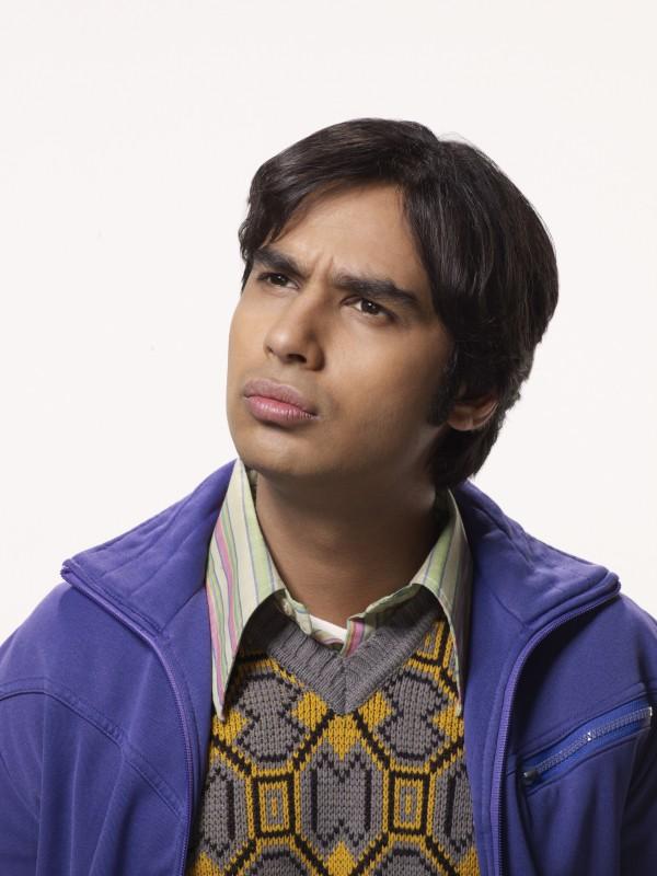 Kunal Nayyar in una foto promozionale della stagione 4 di The Big Bang Theory