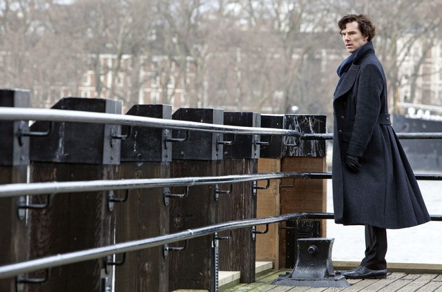Benedict Cumberbatch nell'episodio The Great Game di Sherlock