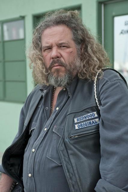 Mark Boone Junior nella premiere della stagione 3 di Sons of Anarchy