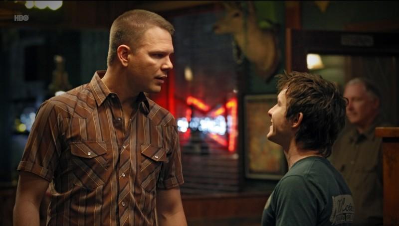 Jim Parrack e Marshall Allman nell'episodio Night on the Sun di True Blood
