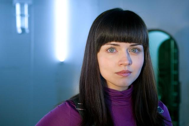 Vera Filatova è Svetlana in una foto promozionale di The Deep