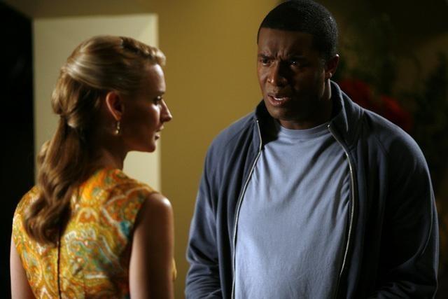 Andrea Powell e Roger Cross nell'episodio Dog Eat Dog di The Gates