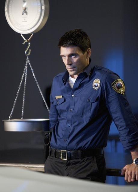 Frank Grillo nell'episodio Jurisdiction di The Gates