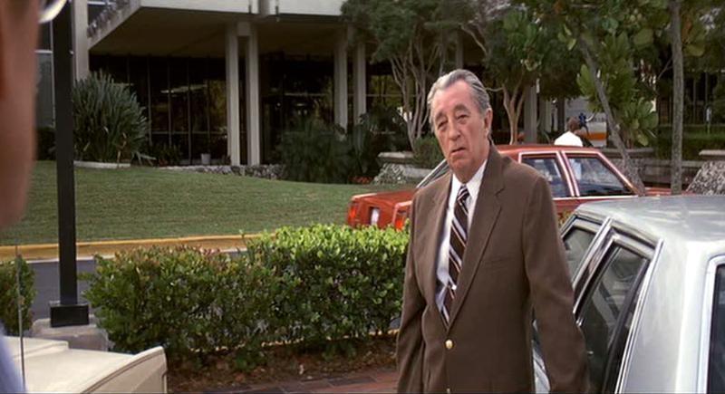 Robert Mitchum in una scena del film Cape Fear - Il promontorio della paura (1991)