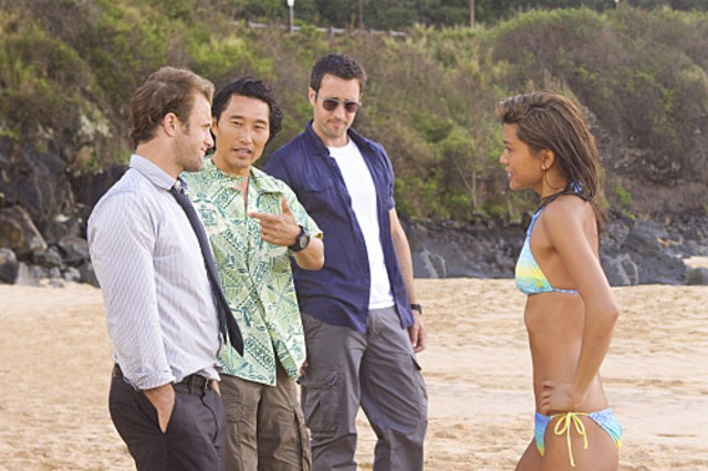 Alex O'Loughlin, Scott Caan, Daniel Dae Kim e Grace Park in una scena di Hawaii Five-0