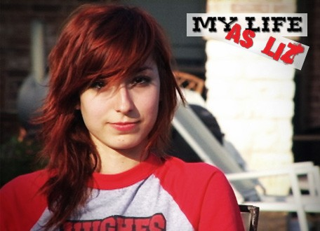Poster con sviluppo orizzontale di My Life as Liz