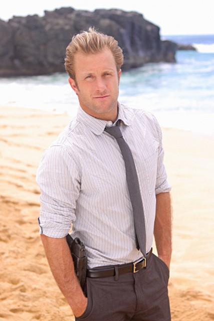 Scott Caan in una foto promozionale di Hawaii Five-0