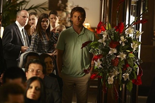 Dexter: Michael C. Hall in un momento della premiere della stagione 5