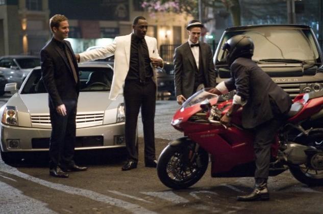 Hayden Christensen, Idris Elba e Paul Walker nel film Takers