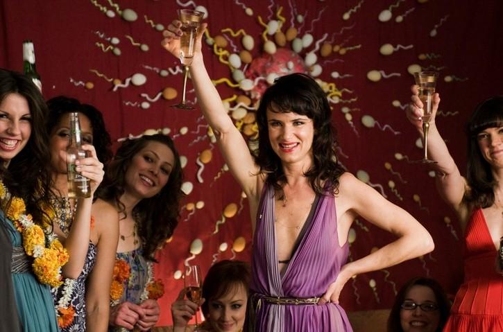 Juliette Lewis nella commedia Due cuori e una provetta