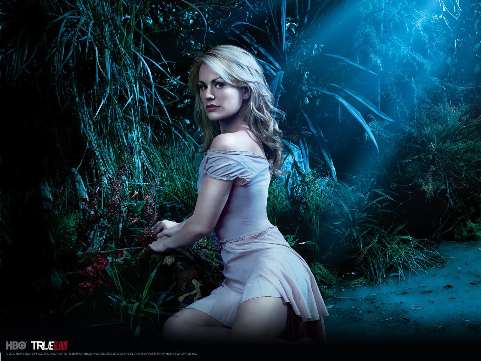 Wallpeper: Anna Paquin per la stagione 3 di True Blood