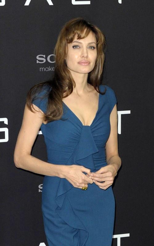 Angelina Jolie posa al photocall berlinese del film Salt, il 18 Agosto 2010