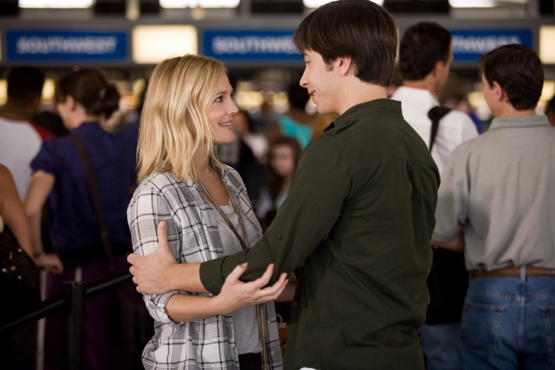 Justin Long e Drew Barrymore nella commedia Amore a mille... miglia