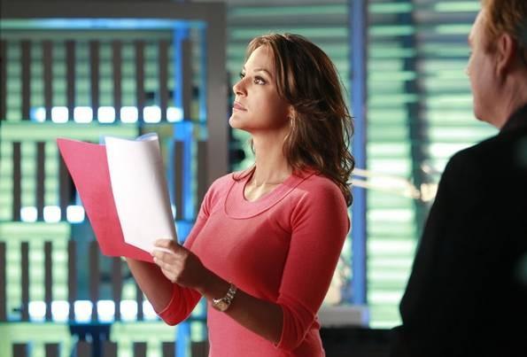 Eva La Rue nella premiere della stagione 9 di CSI Miami