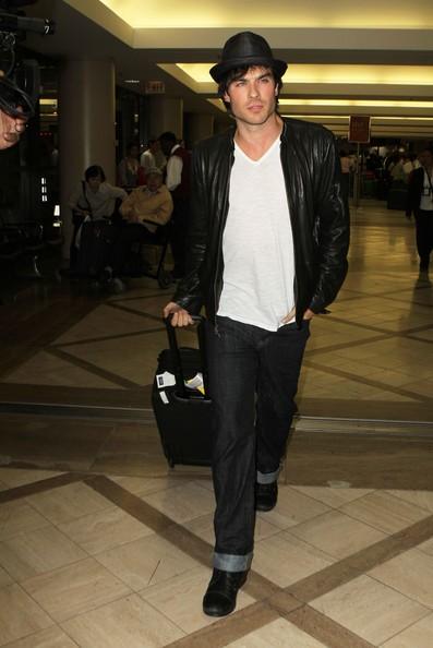 Ian Somerhalder all'aeroporto