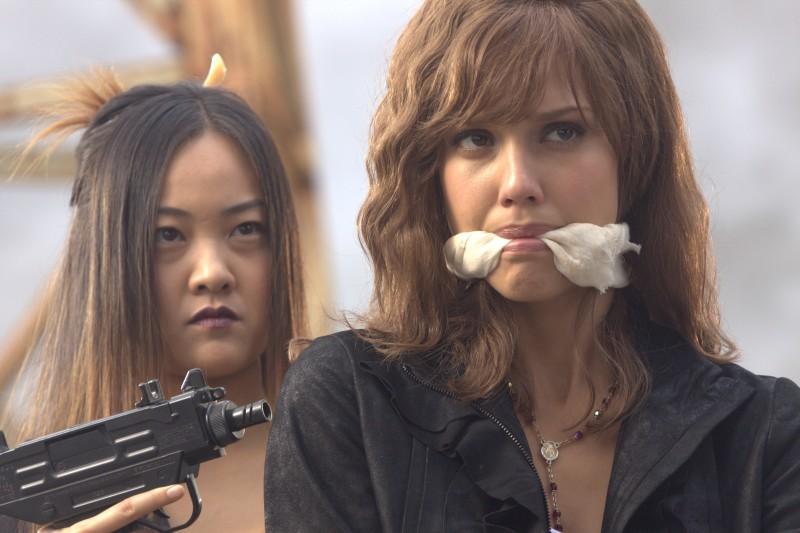 Jessica Alba in una scena del film Machete