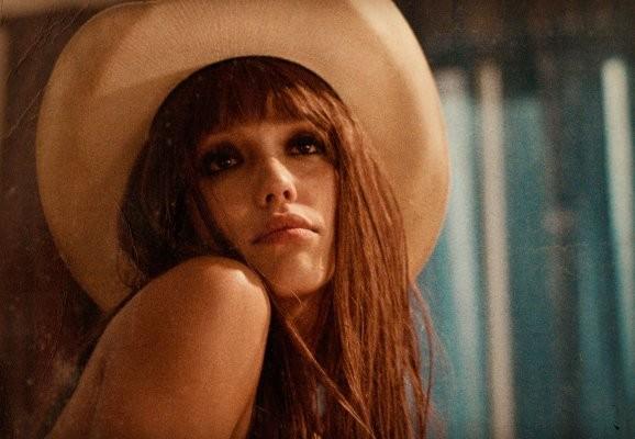 Jessica Alba nel film Machete