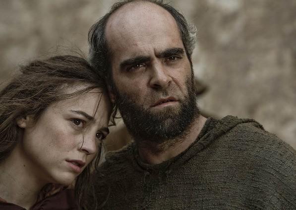 Luis Tosar nel saio di un frate nel film Lope