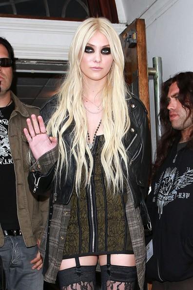 Taylor Momsen con uno dei suoi look trasgressivi