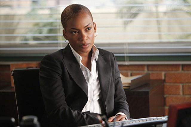 Aunjanue Ellis nell'episodio Red Sky In The Morning della serie The Mentalist