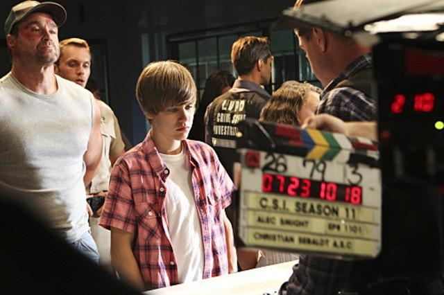 Justin Bieber sul set dell'episodio Shock Waves di CSI