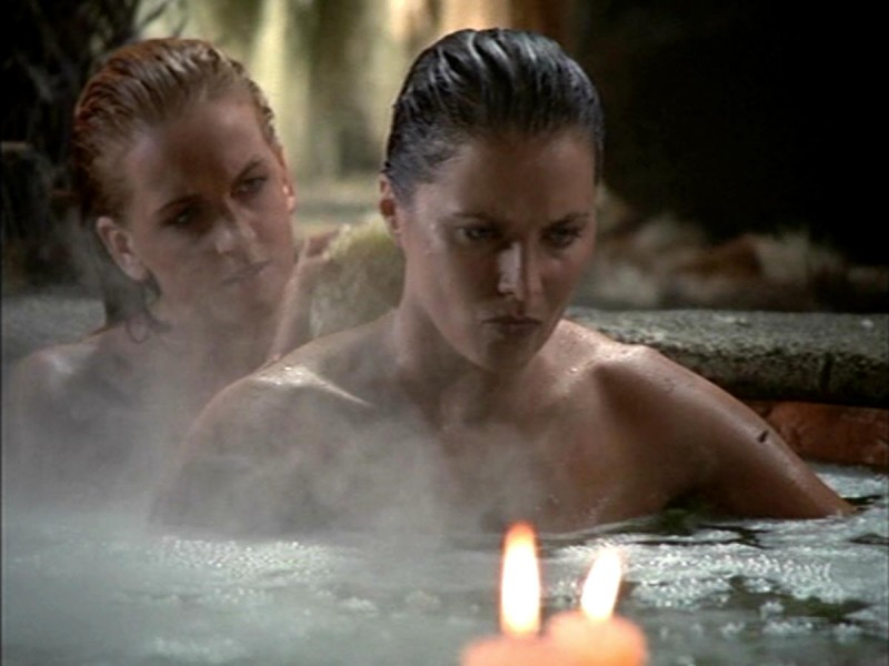 Lucy Lawless e Renee O\'Connor nell\'episodio Xena contro il gigante