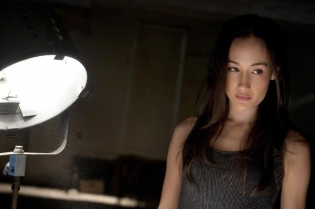 Maggie Q in una scena del pilot della serie Nikita della CW