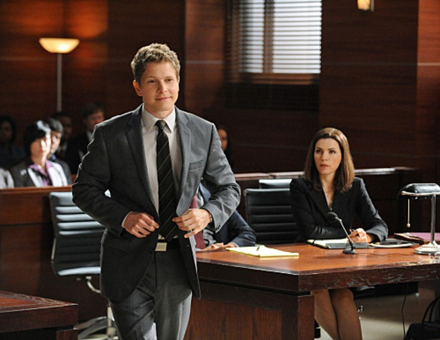Matt Czuchry e Julianna Margulies nell'episodio Taking Control di The Good Wife