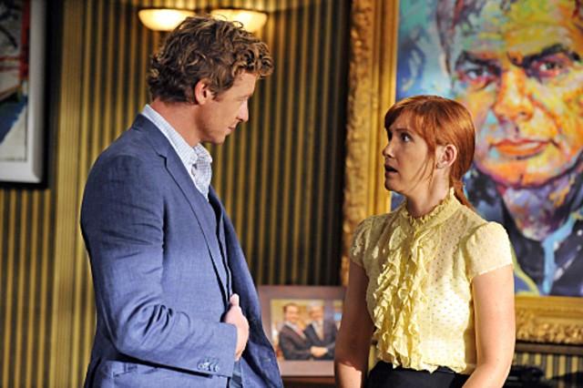 Simon Baker e Kari Coleman nell'episodio Red Sky At Night di The Mentalist