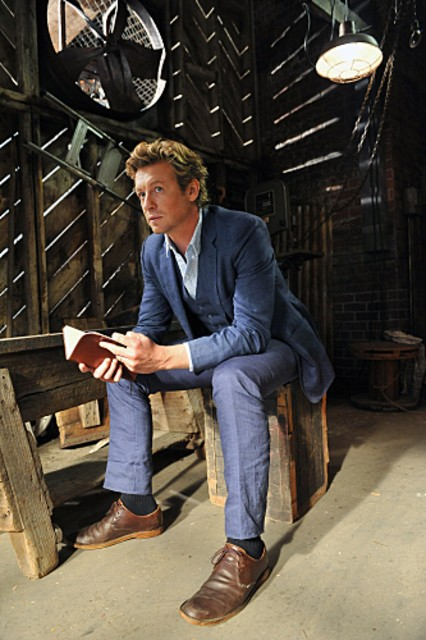 Simon Baker nell'episodio Red Sky At Night di The Mentalist