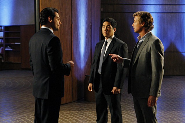 Simon Baker, Tim Kang e Joseph Will nell'episodio Red All Over di The Mentalist