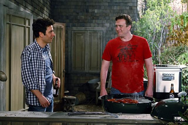 Josh Radnor e Jason Segel in una scena dell'episodio Home Wreckers di How I Met Your Mother