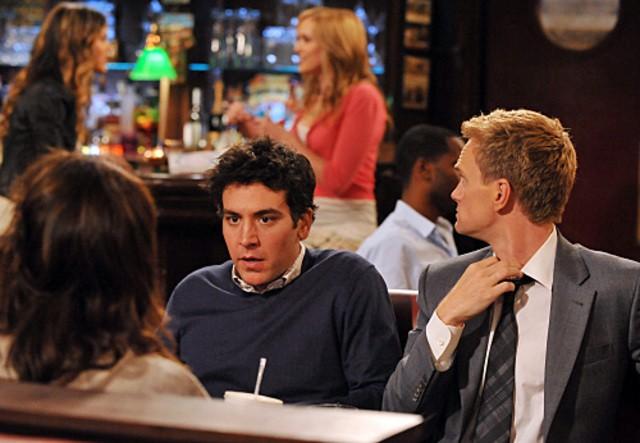 Josh Radnor e Neil Patrick Harris nell'episodio Big Days, premiere della stagione 6 di How I Met Your Mother