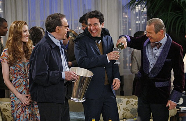Josh Radnor, Michael York e Peter Bogdanovich nell'episodio Robots Vs. Wrestlers di How I Met Your Mother