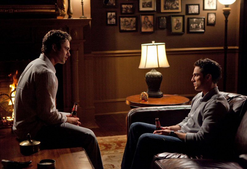 Mason Lockwood (Taylor Kinney) e Tyler (Michael Trevino) nell'episodio The Return di Vampire Diaries