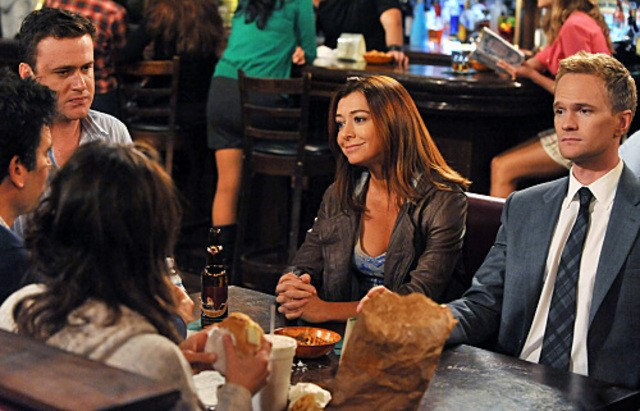 Neil Patrick Harris, Jason Segel ed Alyson Hannigan nell'episodio Big Days, premiere della stagione 6 di How I Met Your Mother