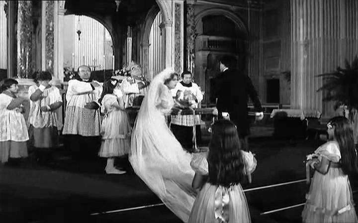 Nello Appodia in una scena del film IL CONTE TACCHIA 1982 Sergio Corbucci