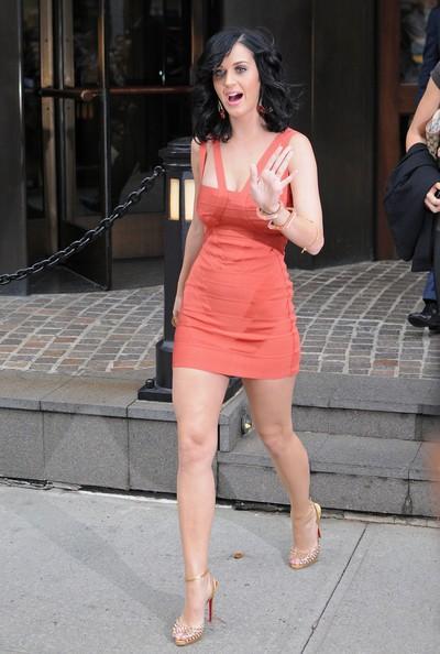 Katy Perry prima di entrare al Late Show